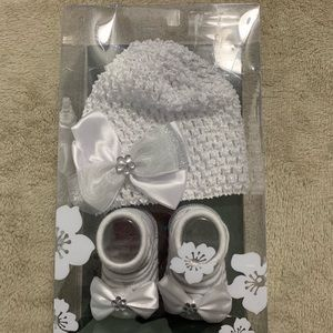 Cap and sock set
